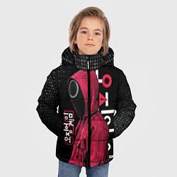 Куртка зимняя для мальчика ИГРА В КАЛЬМАРА, СТРАЖ КРУГ БИНАРНЫЙ КОД цвета 3D-черный — фото 2