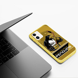 Чехол iPhone 11 матовый Pittsburgh Penguins цвета 3D-желтый — фото 2
