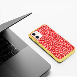 Чехол iPhone 11 матовый Supreme: Red Letters цвета 3D-желтый — фото 2