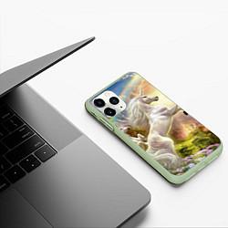 Чехол iPhone 11 Pro матовый Радужный единорог цвета 3D-салатовый — фото 2