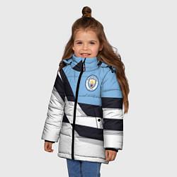 Детская зимняя куртка для девочки с принтом Manchester City FC: White style, цвет: 3D-черный, артикул: 10136813906065 — фото 2