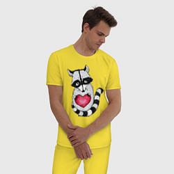 Пижама хлопковая мужская Енот с сердцем цвета желтый — фото 2