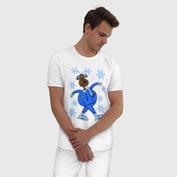 Пижама хлопковая мужская Олень на коньках цвета белый — фото 2