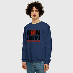 Свитшот хлопковый мужской Bon Jovi: Nice day цвета тёмно-синий — фото 2
