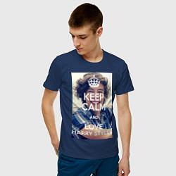Футболка хлопковая мужская Keep Calm & Love Harry Styles цвета тёмно-синий — фото 2