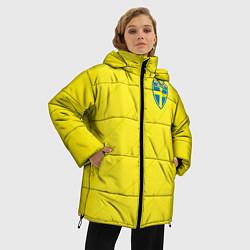 Женская зимняя 3D-куртка с капюшоном с принтом Сборная Швеции: Домашняя ЧМ-2018, цвет: 3D-черный, артикул: 10151654706071 — фото 2