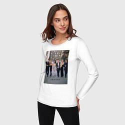 Лонгслив хлопковый женский Friends цвета белый — фото 2