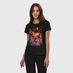 Пижама хлопковая женская Очень странные дела цвета черный — фото 2