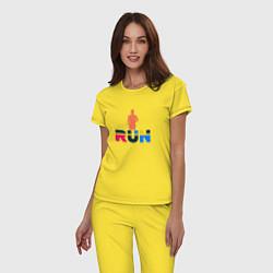 Пижама хлопковая женская Run Сolor цвета желтый — фото 2