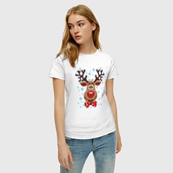 Футболка хлопковая женская Рождественский олень цвета белый — фото 2
