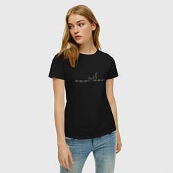 Женская хлопковая футболка с принтом Пульсирующий кот, цвет: черный, артикул: 10054158200002 — фото 2